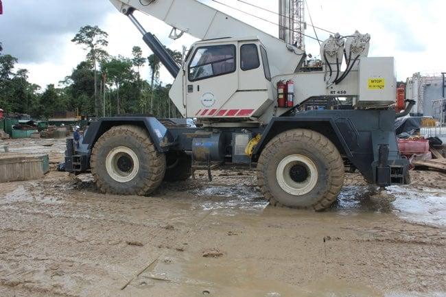 MD-heavyequip-muddy-650x433