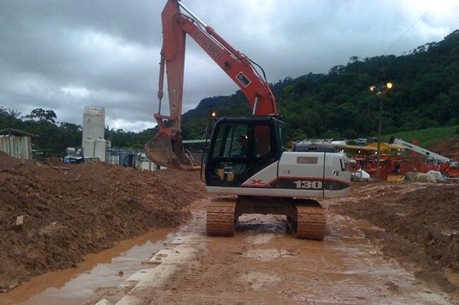MDHD.roadway.columbia.excavator-650x433